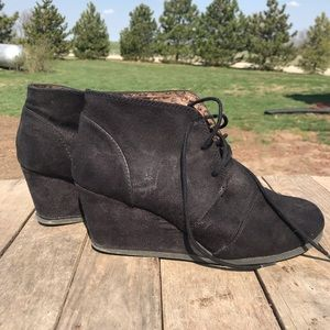 City classified black booties size 8